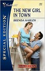 New Girl in Town (Large Print)