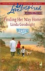 Finding Her Way Home  (Large Print)